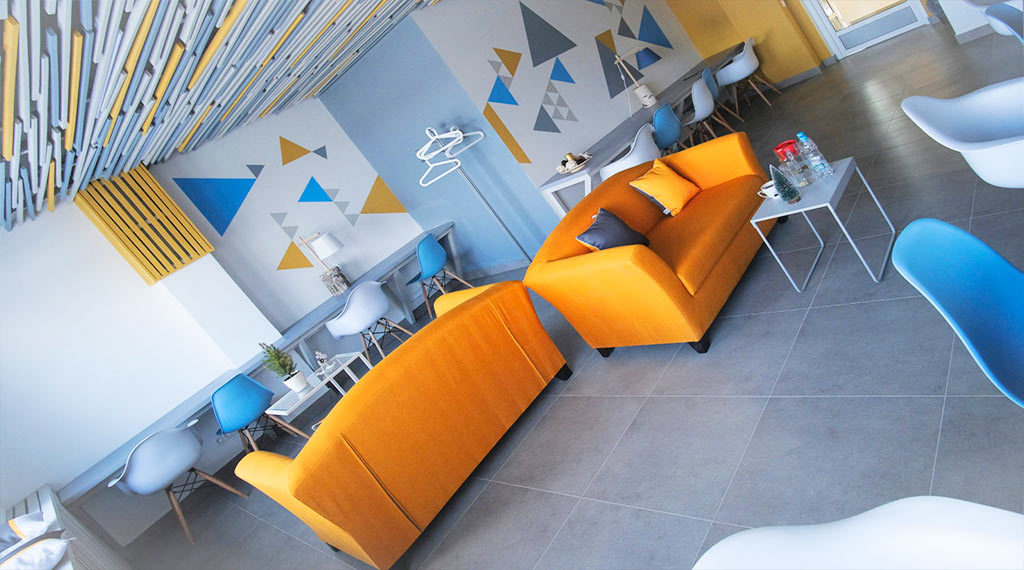 Стильный и яркий дизайн Эковоркинга в Казани